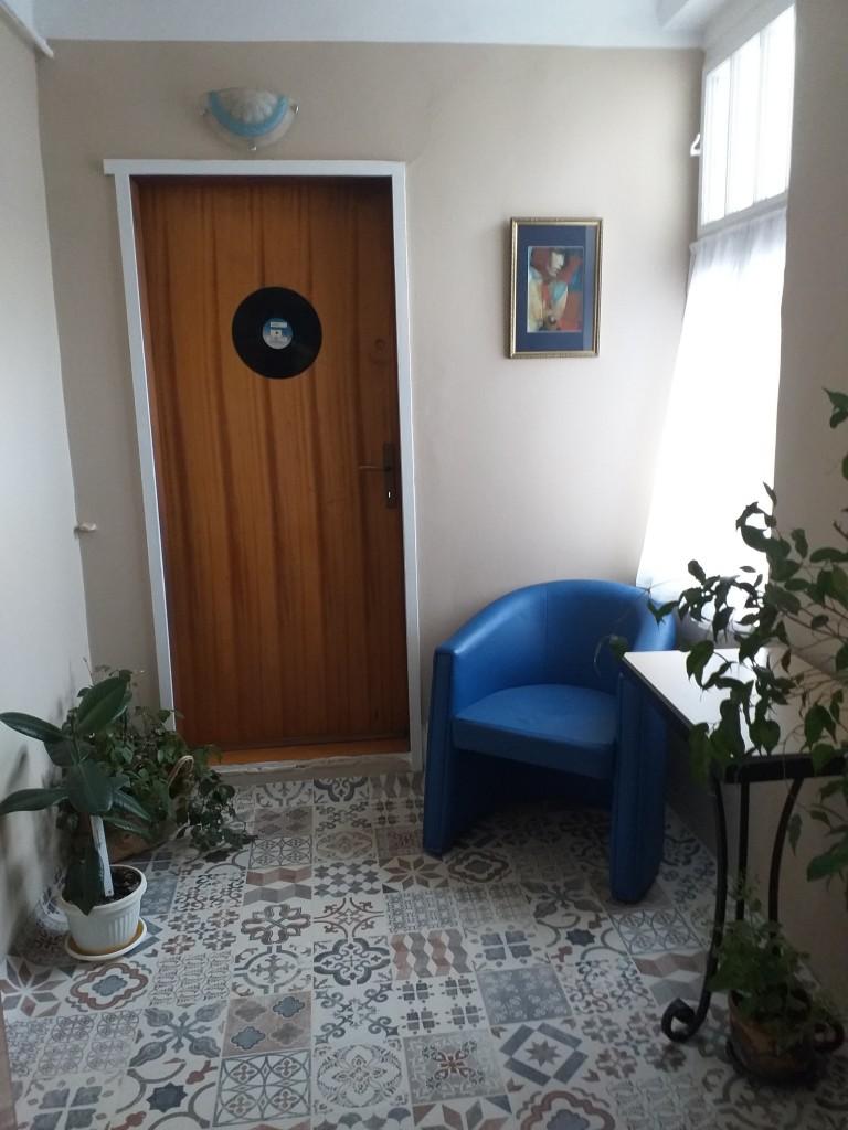 Authentic Belgrade Centre Hostel - Loft Bohemia